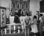 Marjorie Lambert conducting tour, Palace of the Governors, Santa Fe, New Mexico