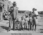 John Newberry with children from Old Picacho, ca. 1916