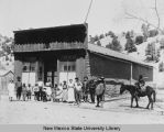 Silver City mine crew and building